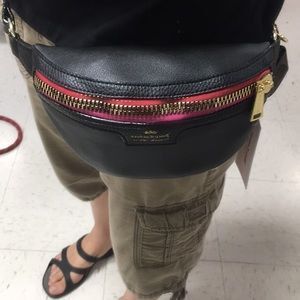 🖤Black juicy couture Fannypack🖤